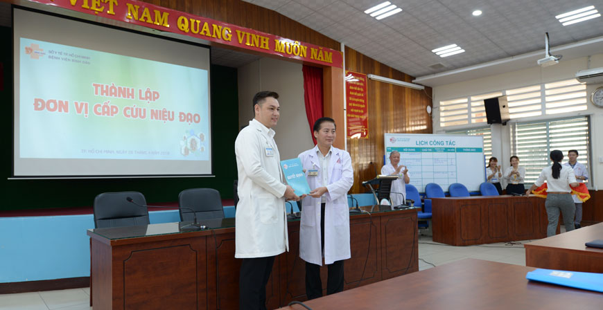Outreach Workshop in Saigon Benefits Urologists from
